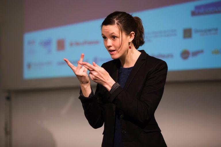 """Interprétation de la cérémonie de remise des prix """"créatrices d'avenir"""", Paris 2017 - Crédit : Cécile Muzard"""